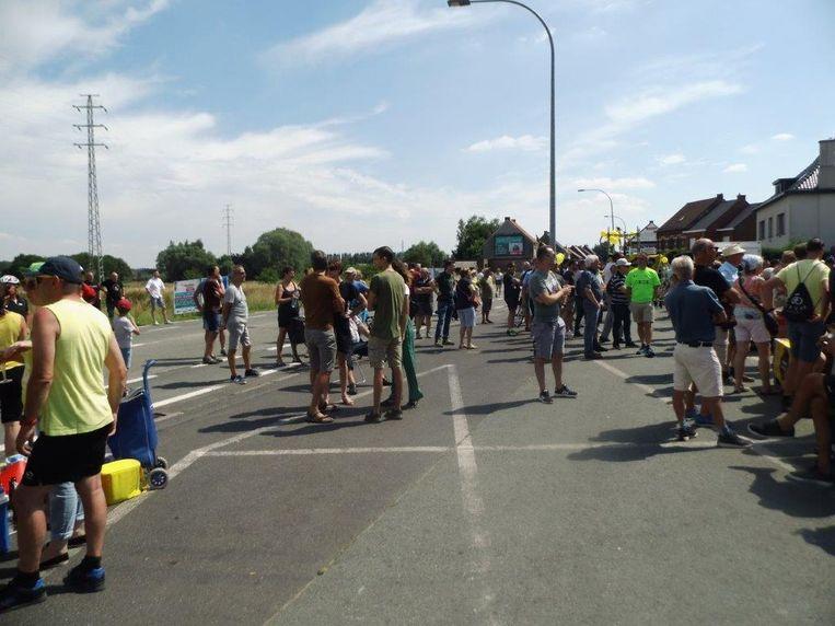 Doortocht Tour de France op Brakelsesteenweg in Ninove.