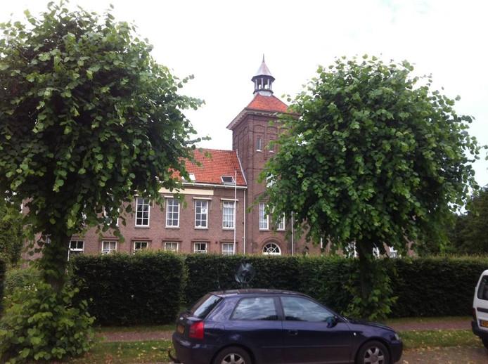 Een markant punt in Reek: het oude klooster.
