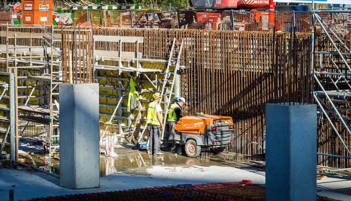 Bouwonderneming VolkerWessels op een bouwplaats aan de Zuidas.
