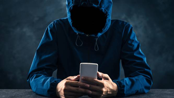 15 maanden cel voor IT-specialist die ex als geheime aanbidder maandenlang stalkt