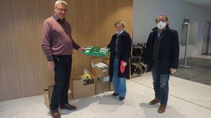 """IVBO schenkt medische pakken en gelaatsschermen aan AZ Sint-Jan: """"Ze zijn welkom"""""""