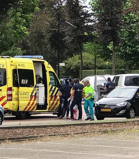 Politie schiet man in arm bij poging tot beroving, vijf arrestaties