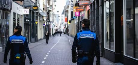 'Nog onduidelijk of boa's avondklok mogen handhaven', politie gaat 'alleen op excessen af'