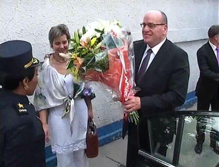 Staatssecretaris Fred Teeven van Justitie vloog dit weekeinde naar Congo om adoptiekinderen op te halen. Hij ontmoette hoogwaardigheidsbekleders, maar ging met een leeg vliegtuig terug Beeld Digital Congo TV