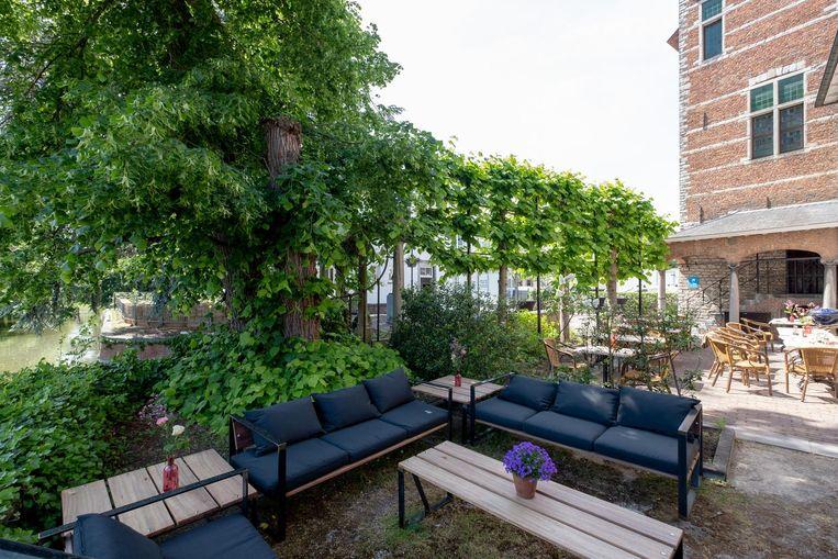 Genieten van het mooie lenteweer kan vanaf zaterdag op het gezellige terras aan de Nete.