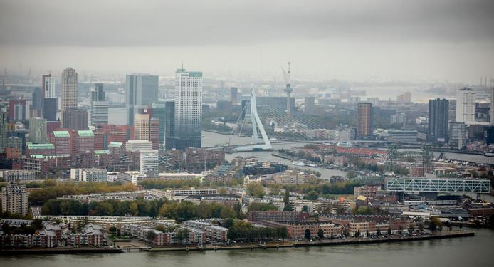 Het rijk geeft Rotterdam 6,5 miljoen euro extra om versneld de luchtverontreiniging in de stad aan te kunnen pakken.