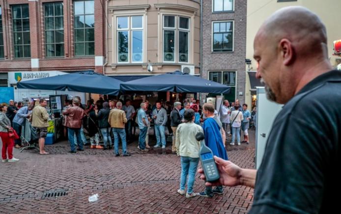 Zwols Stratenfestival als afsluiting van de vakantieperiode op de laatste vrijdag van de kermis in Zwolle. Foto Frans Paalman