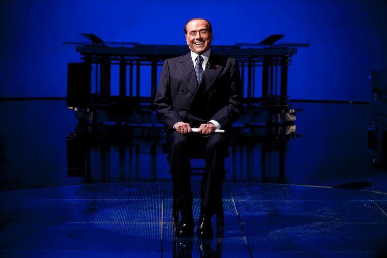 Make-over Silvio Berlusconi in november 2017, bij de talkshow Porta a Porta op Rai Uno. Beeld getty