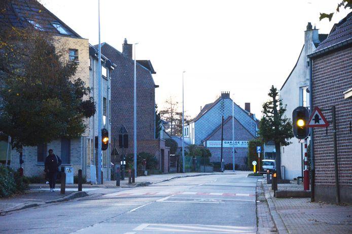 De verkeerslichten aan de gemeenteschool in Iddergem op de hoek Leliestraat-Hoogstraat  zijn defect.