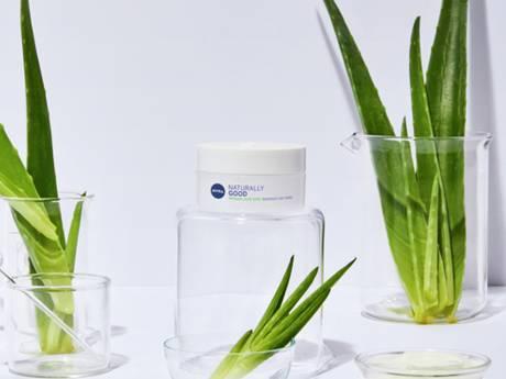 """""""98% d'ingrédients d'origine naturelle"""": Et le reste? La nouvelle gamme Nivea le révèle"""