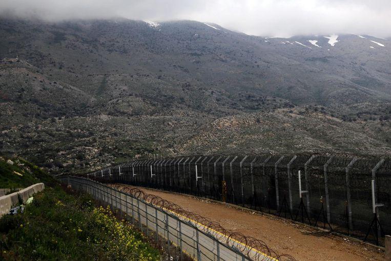 Hekwerk tussen Israël en Syrië in de door Syrië bezette Golanhoogten.