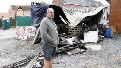 """Week na brand krijgt friturist tweede klap te verwerken: """"Alles kwijt, en ik krijg geen cent"""""""