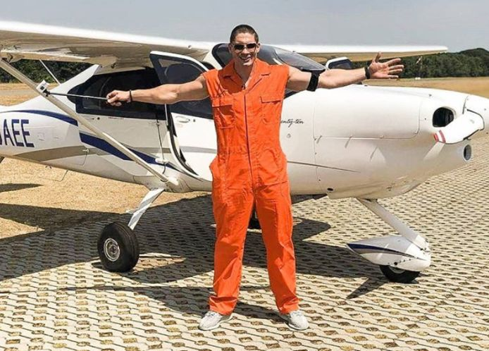 Rico Verhoeven nam onder meer het vliegtuig tijdens een spectaculaire uitzending van Jachtseizoen.