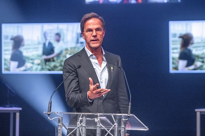 Premier Mark Rutte stond bij de opening van het MBO-jaar stil bij de behoefte aan stageplaatsen.