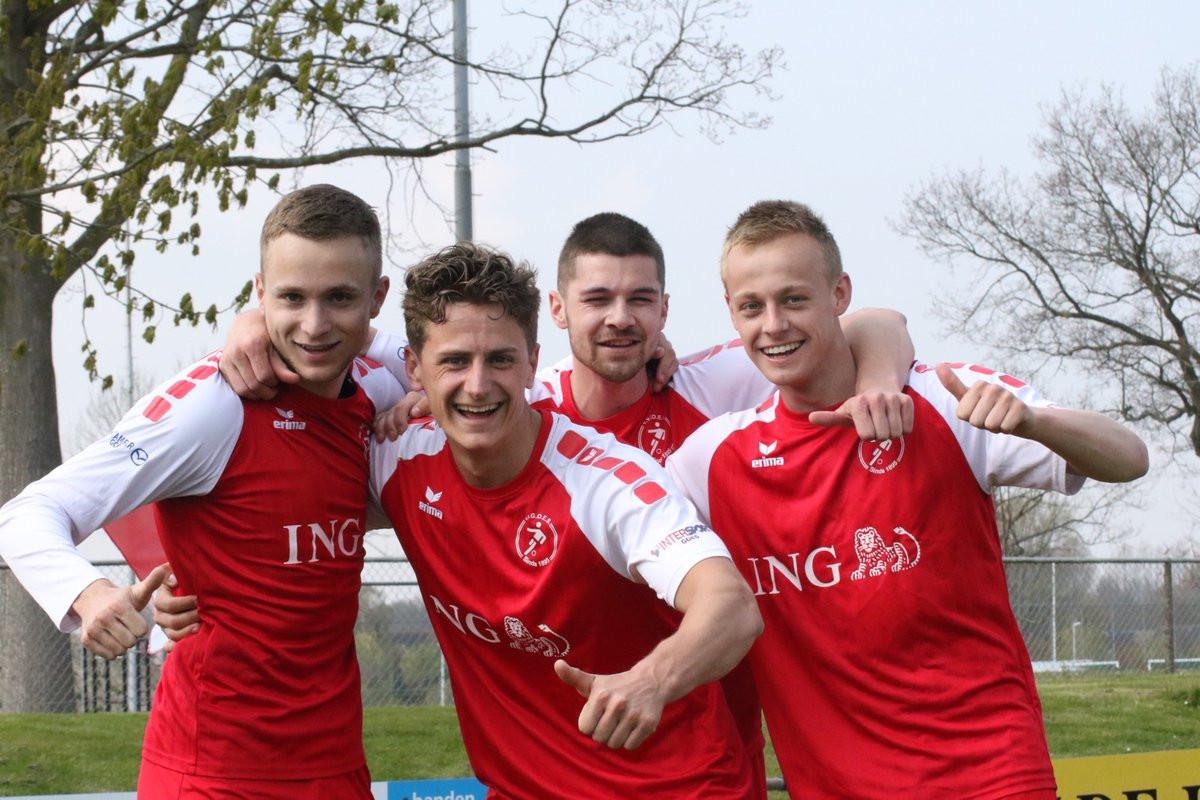 Lachende gezichten bij Goes met (van links naar rechts) Erwin Franse, Steve Schalkwijk, Tim de Winter en Klaas van Hecke.