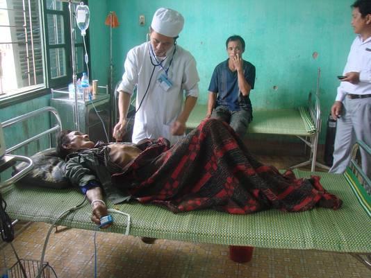 Ho Van Than wordt verzorgd door artsen