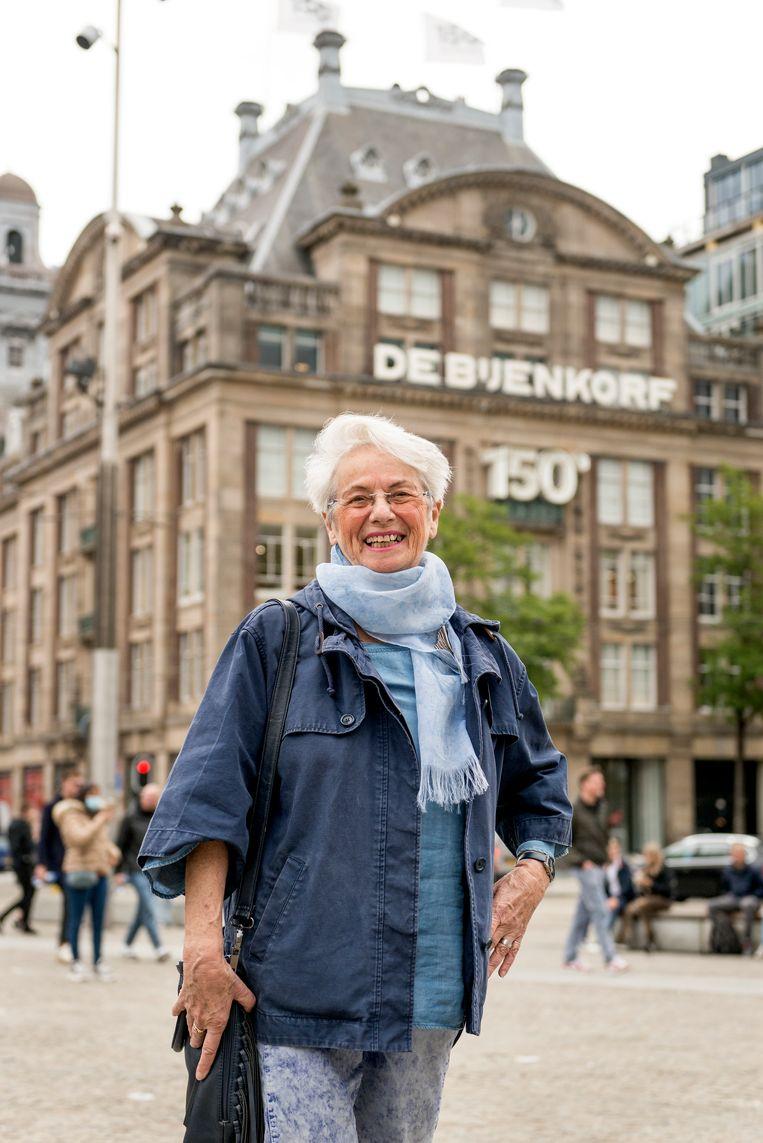 Liesje Vas Diaz (82) werkte tussen 1969 en 1973 op de fourniturenafdeling van de Bijenkorf in Amsterdam. Beeld Eva Faché