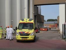 Personeelsleden gewond door bijtende stof bij Zwols bedrijf