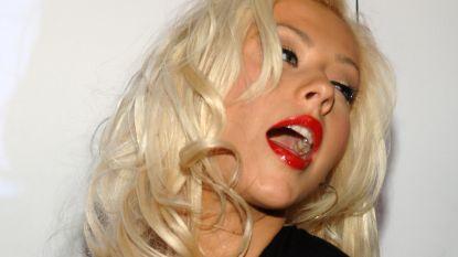 Christina Aguilera flirt met nipplegate op Instagram