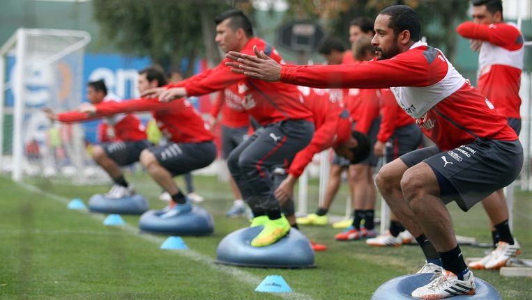 Een training van het Chileense voetbalteam Beeld anp