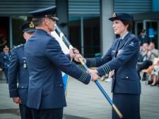 Vliegbasis Eindhoven baas geeft stokje door aan haar man, 'niet wenselijk'