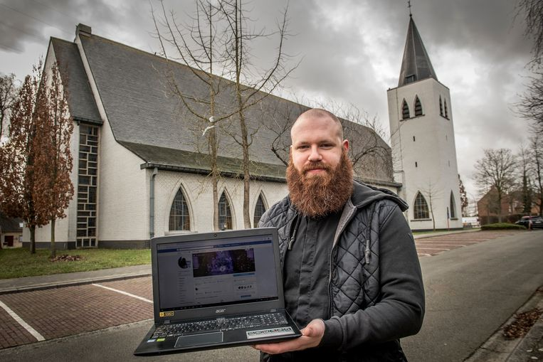 Pastoor Matthias Noë plaatst op zijn Facebookpagina filmpjes waarin hij religieuze vragen beantwoordt.