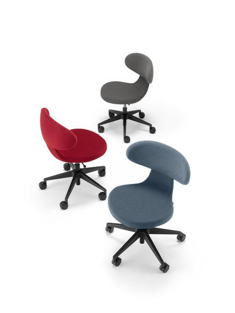 Bij de keuze voor een stoel is er een spanningsveld tussen design en ergonomie.