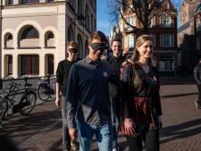 Blind Walk: zonder iets te zien door de drukke straten van Utrecht lopen