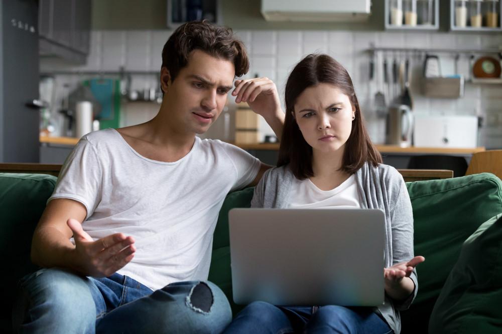 Foto ter illustratie. Veel mensen gebruiken hun privé-computer voor werk.