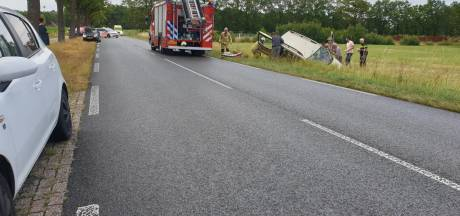 Automobilist gewond bij eenzijdig ongeval bij Azelo