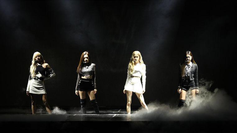 Meidengroep Blackpink tijdens een optreden voor de Gaon Chart K-Pop Awards, vorige week in Seoel. Beeld Chung Sung-Jun/Getty images