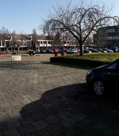 Parkeren Stationsplein Etten-Leur moet eerst onder de loep