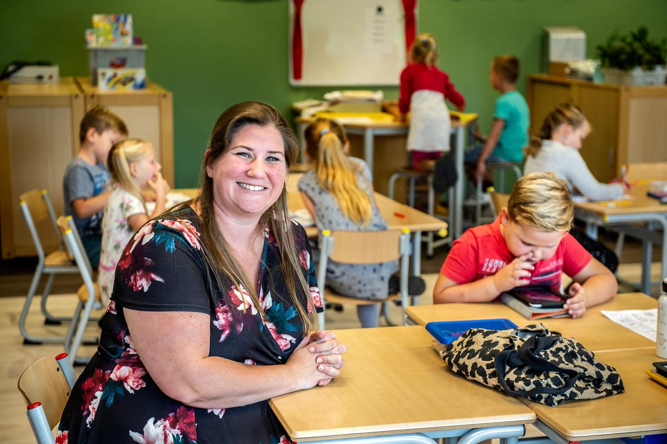 Schoolleider Deborah Snoeren (36) gaat 'haar' Tweestromenschool op 12 september ontruimen. Zo doet ze mee aan de actie voor meer loon, erkenning en minder werkdruk van schooldirecteuren.