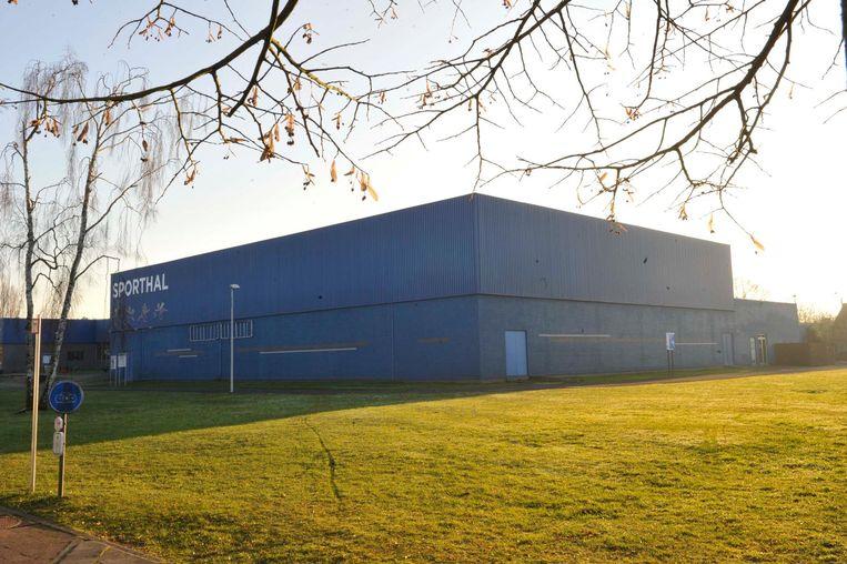 De nieuwe turnzaal komt naast de huidige sporthal.