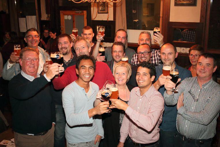 Zes Wase brouwers en zes Sint-Niklase biercafés zetten de schouders onder de Streekbierenproeventocht volgende zaterdag.