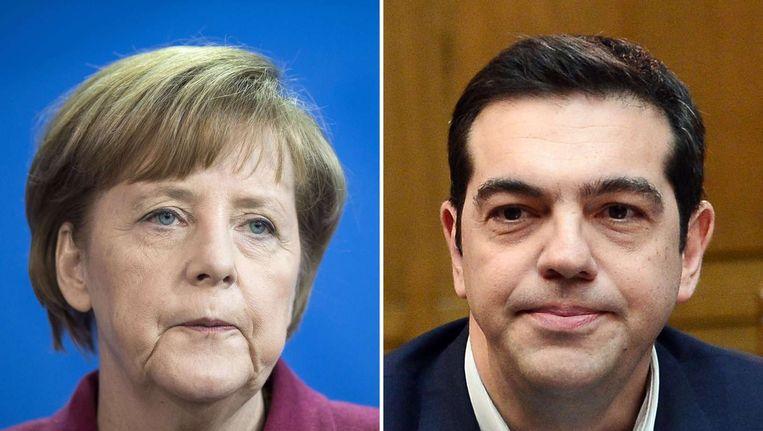 Angela Merkel (L) en Alexis Tsipras (R). Beeld null