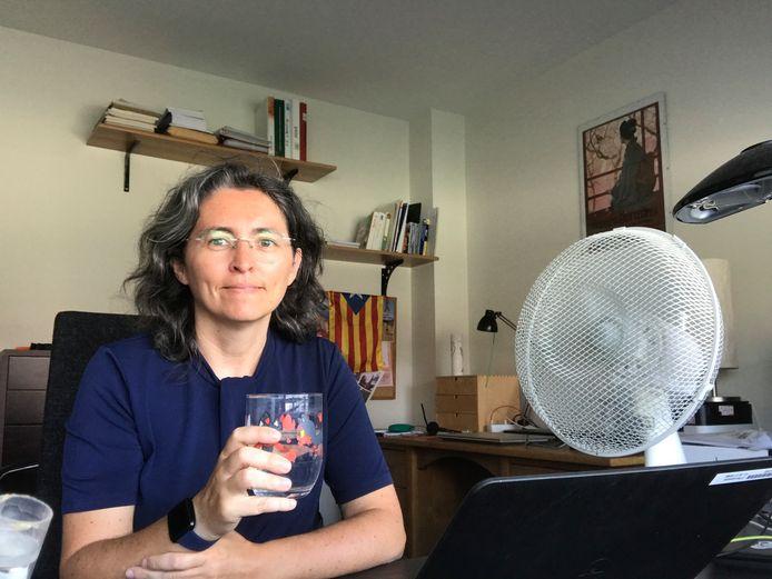 Núria Barceló i Peiró van NXP werkt thuis tijdens de zinderende hitte
