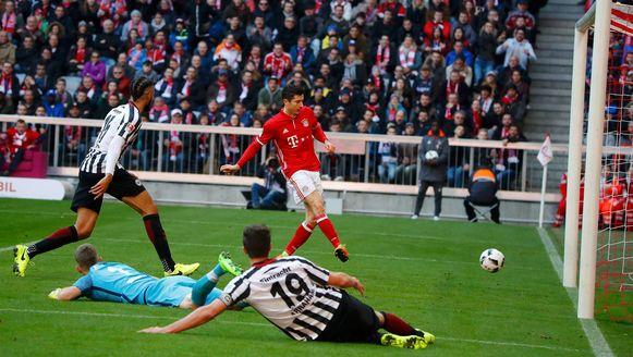 Lewandowski aan het feest tegen Eintracht Frankfurt het voorbije weekend.