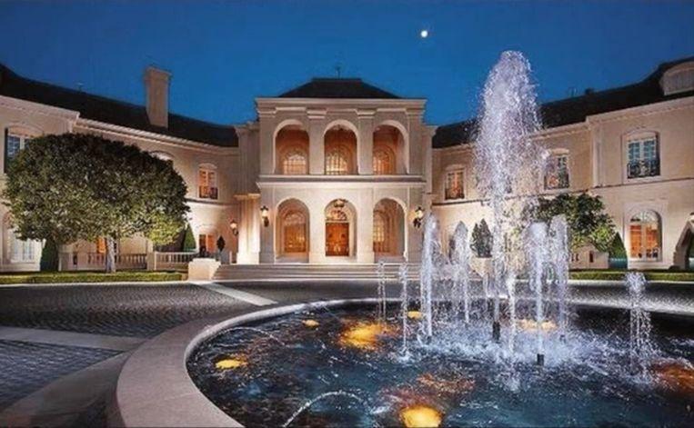 Te Koop Het Grootste Huis Van Hollywood Waar Niemand Ooit Gelukkig