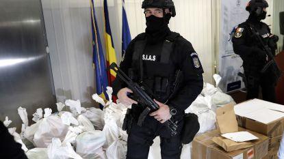 Roemeense politie zoekt aangespoelde cocaïne aan kust Zwarte Zee na kapseizen schip