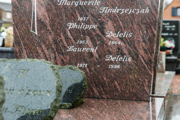 Het familiegraf van de familie Delelis, waarin Laurent na zijn identificatie werd bijgezet. Beeld
