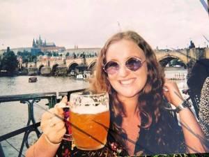"""Touriste britannique décédée au Cambodge: la famille """"dégoûtée"""" après la fuite de photos sur Facebook"""