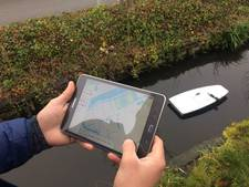 Bootje brengt polder in Delfland in kaart