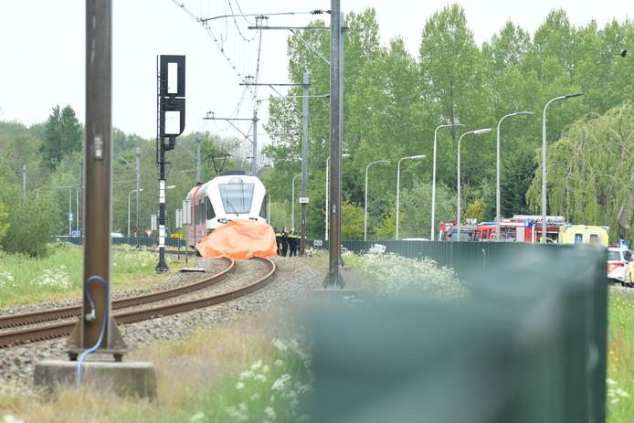 Bij het ongeval aan de Koenderweg in Leerdam kwam een 91-jarige vrouw uit Lelystad om het leven.