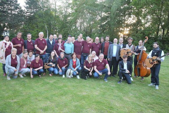 Halle Events nodigde de vrijwilligers en de buren uit om donderdag het programma te onthullen van de Stroppenconcerten 2019