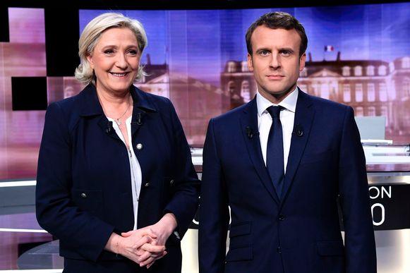"""Marine Le Pen wees in het tv-debat gisteren op beschuldigingen dat Macron een geheime buitenlandse bankrekening op de Bahama's heeft. Macron ontkende dat prompt en zei dat """"het valse nieuwsbericht van Russische makelij is""""."""