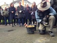 Arnoud-Jan Bijsterveld vertelt in Moergestel over struikelstenen en Holocaust