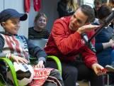 Spelers FC Twente toveren glimlach op gezicht zieke kinderen