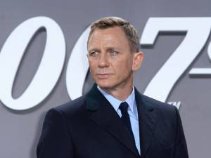 Blessé sur le tournage du nouveau Bond, Daniel Craig va passer sur le billard