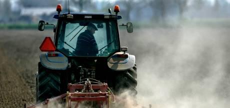 Wielrenners gewond na aanrijding met tractor in Friesland